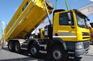 déchets plastique en France dans la nature 94 camions de 35 tonnes jetés dans la nature en France chaque année